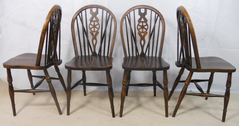 Awesome Set Of Four Antique Style Wheelback Kitchen Dining Chairs By Webber  Furniture   SOLD